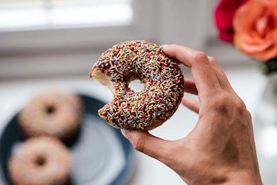 Как избавиться от тяги к сладкому?