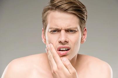 Как избавиться от прыщей после бритья?